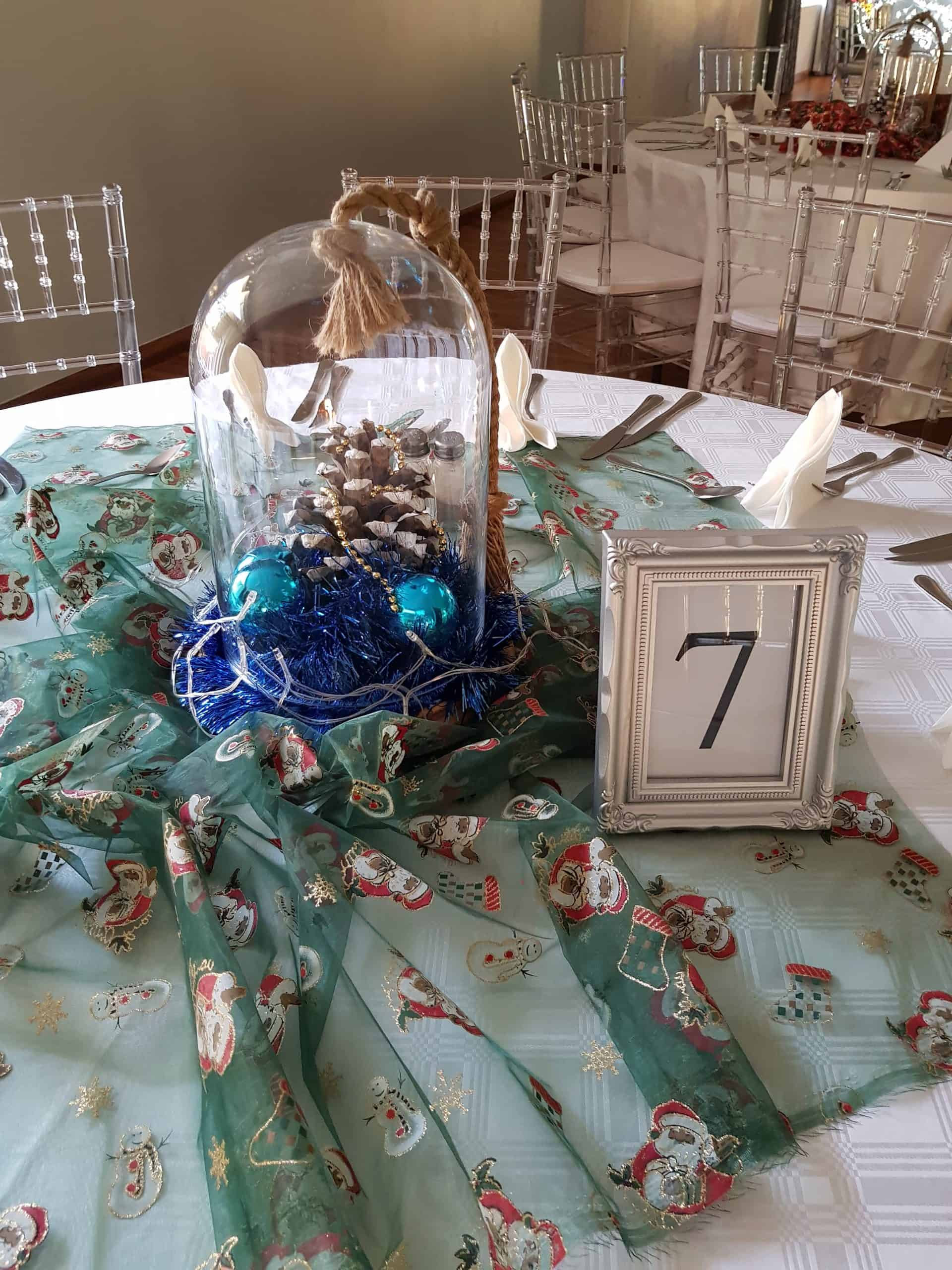 centrepiece with table number scaled