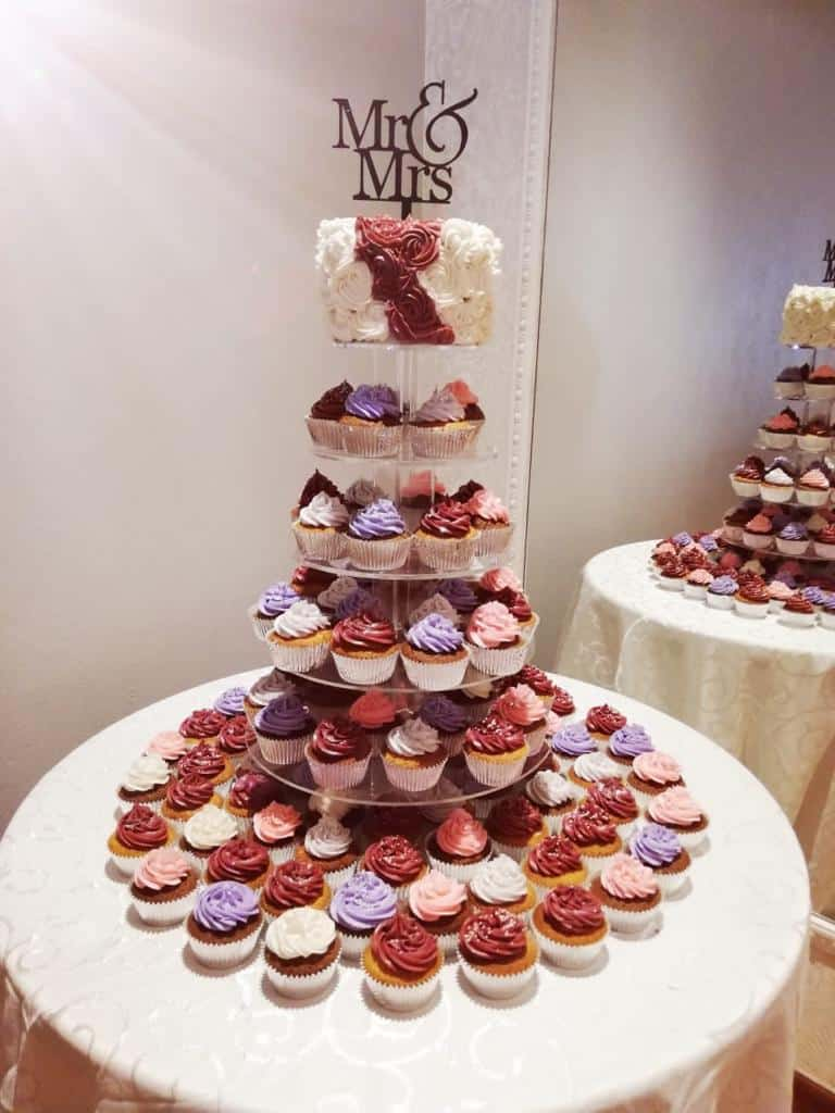 weddign cupcake cake with mr and mrs on teh top